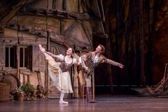 A scene from Giselle by The Royal Ballet @ Royal Opera House. (Taken 16-03-16) ©Tristram Kenton 03/16 (3 Raveley Street, LONDON NW5 2HX TEL 0207 267 5550  Mob 07973 617 355)email: tristram@tristramkenton.com